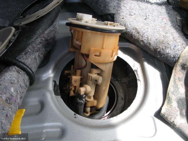 Замена топливного фильтра Тойота Королла Е120